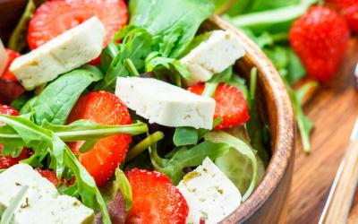 Epres, rukkolás vegán saláta